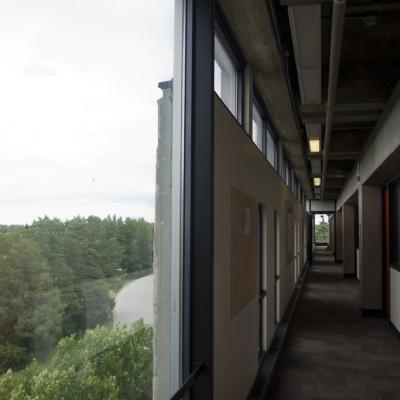 DuffRoblinBuilding_Hallway_C72