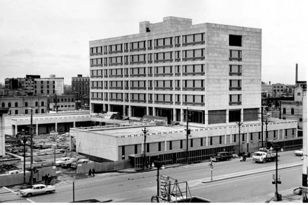Winnipeg-CityHall3