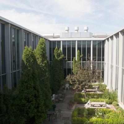 AnimalScience_courtyard_72R