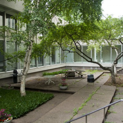 UniversityCollege_CourtYard_C72