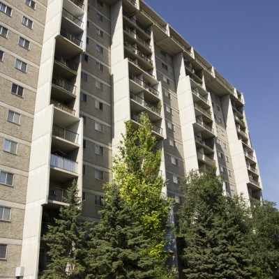 77_UniversityCrescent_EastFacade