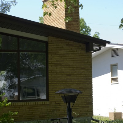 841 Oak Street