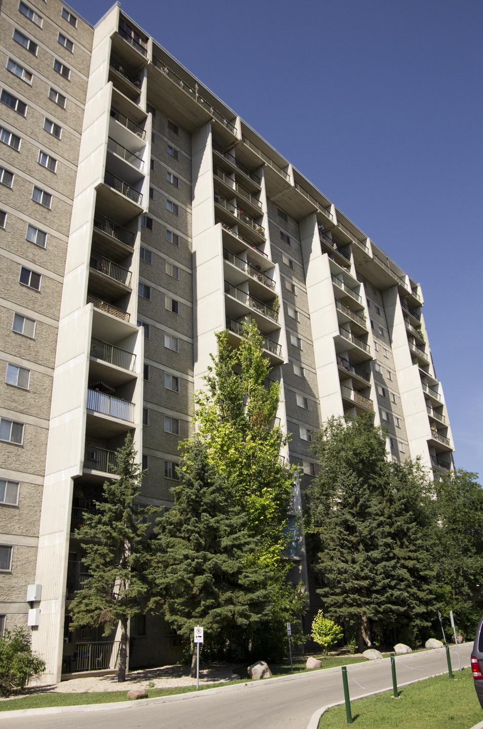77 University Crescent - Winnipeg Architecture Foundation